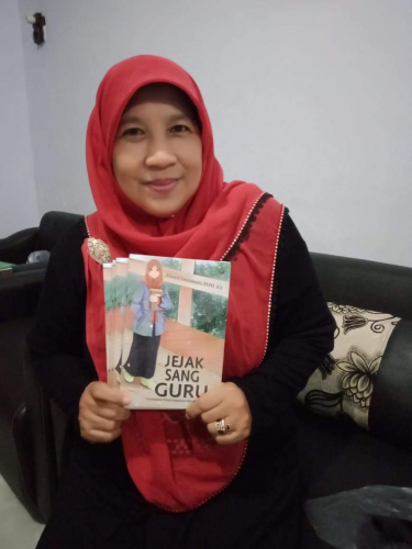 Kholif Diniawati Berharap Bukunya Jadi Inspirasi Bagi Guru dan Siswa di Tengah Pandemi