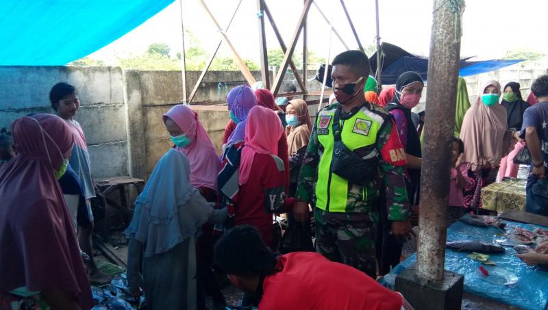 Tim Terpadu, TNI-POLRI dan Unsur Pemerintah Laksanakan Kegiatan PDPK di Area Pasar Rakyat Belopa