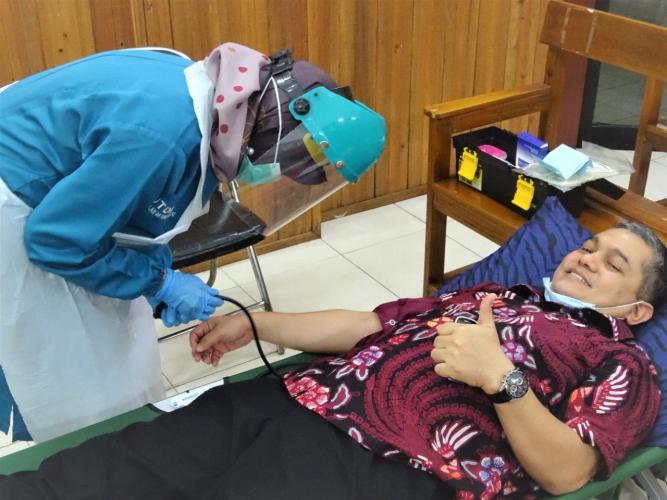 HUT IKAHI Ke 68, PN Amuntai Gandeng Disdukcatpil HSU Gelar Donor Darah