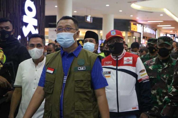 Kunjungi Posko Pengamanan Lebaran, Gubernur NTB Pesan Disiplin Jaga Prokes