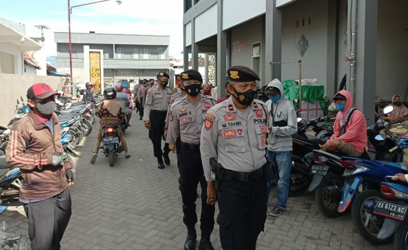Cegah Covid-19, Polres Sumbawa Tingkatkan Patroli di Pasar
