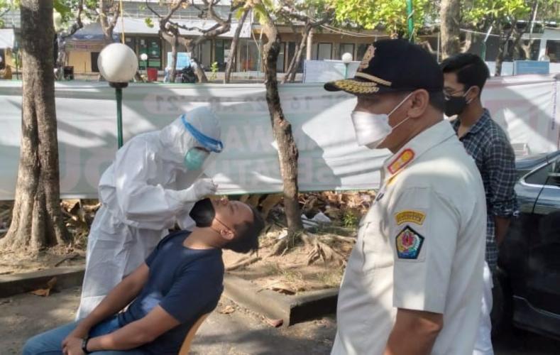 Tim Yustisi Denpasar lakukan tes usap 11 pelanggar prokes