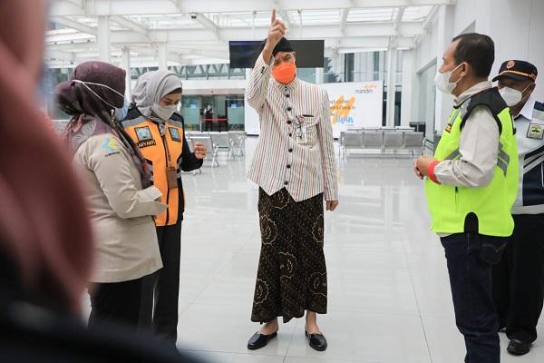 Penumpang Positif Covid-19 Lolos, Ganjar Tegur Petugas Bandara Ahmad Yani