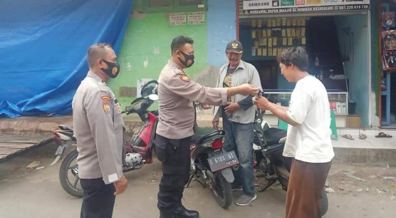 Himbauan Prokes dan Bagi-bagi Masker, Edukasi Warga Terus Dilakukan