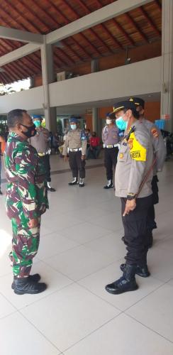 Sidak ke Bandara Ngurah Rai, Ini Pesan Kombes Jansen ke Penumpang
