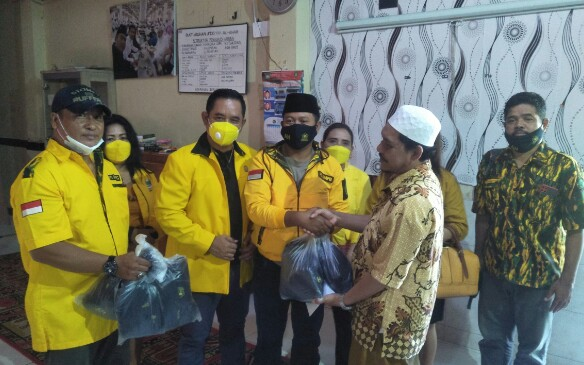 Ajak Patuhi Prokes, Golkar Bali Santuni Anak Panti Asuhan Azkiyah Alkhair