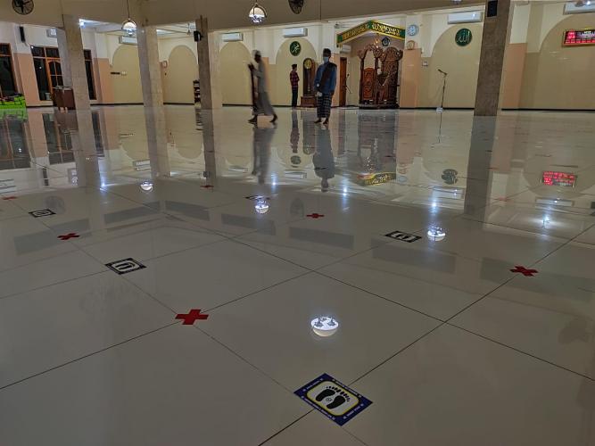 Salat Idulfitri Sebaiknya di Masjid Kampung