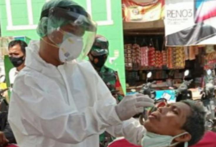 Pedagang di Pasar Cibarusah Bekasi Swab Antigen, 25 Orang Negatif Covid-19