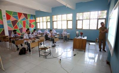 Persiapan Tatap Muka, Pemkot Makassar Sterilisasi Sekolah