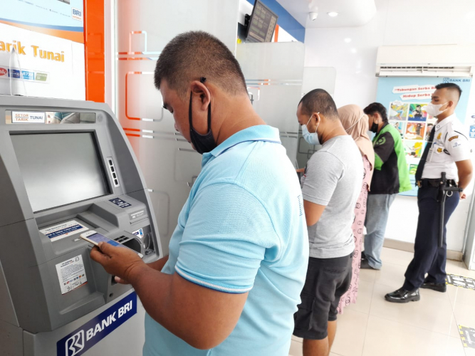 Jam Layanan Bank Menyesuaikan