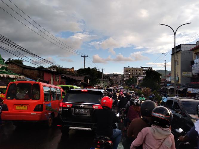 Sopir Angkot Abaikan Aturan Pembatasan Penumpang di Tengah Pandemi