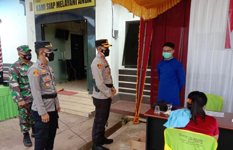 Kapolres Seruyan Tinjau Vaksinasi Vaksinasi di Pospol Bangkal