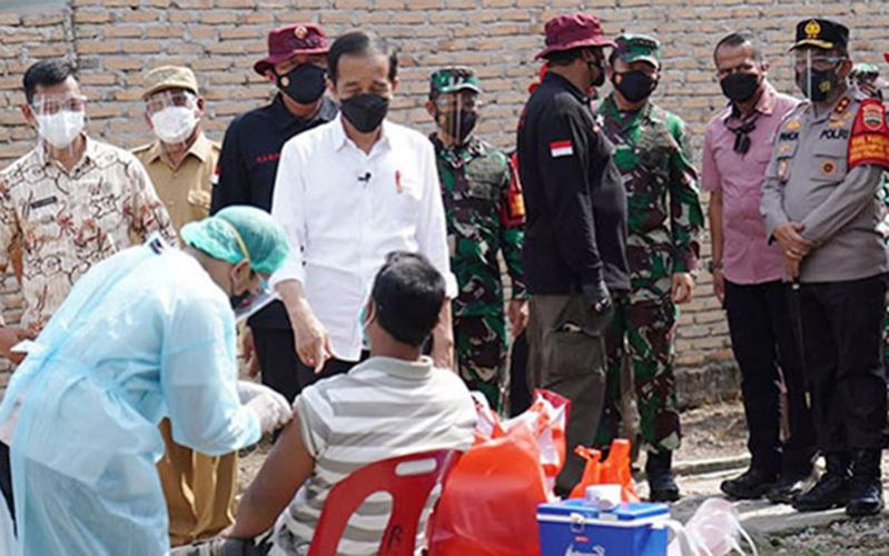 Jokowi Ajak Masyarakat Ikut Vaksinasi dan Patuhi Prokes