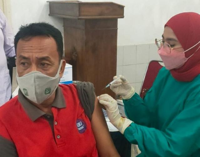 Ikal SMA Negeri 8 Medan Gelar Vaksinasi Dosis Pertama dan Kedua