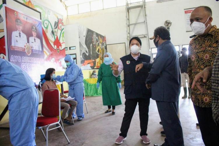 Masyarakat Calon Penerima Vaksin Diminta Jujur pada Petugas Medis Saat Skrining