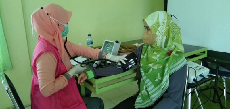 Usai Nakes, Kini Pegawai Dinkes Kabupaten Sinjai Terima Suntikan Vaksin Moderna