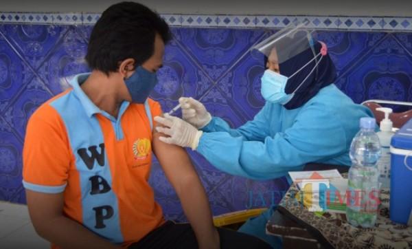 Ratusan Napi Lapas Tuban Kembali Jalani Vaksinasi
